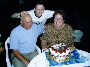 Vigh Szabolcs feleségével és fiával