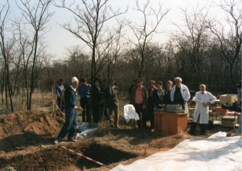 A Nagy Imre-per áldozatainak exhumálása és azonosítása az Új Köztemető 301-es parcellájában