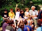 Bálint György általános iskolásoknak tart foglalkozást