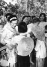 Németi Irén a Nőtanács küldötteként Vietnamban